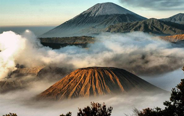 east java tour 4d3n bromo  ijen classic tour